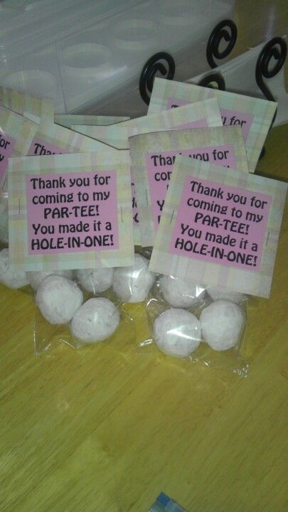 Golf party favors: powdered sugar donut holes