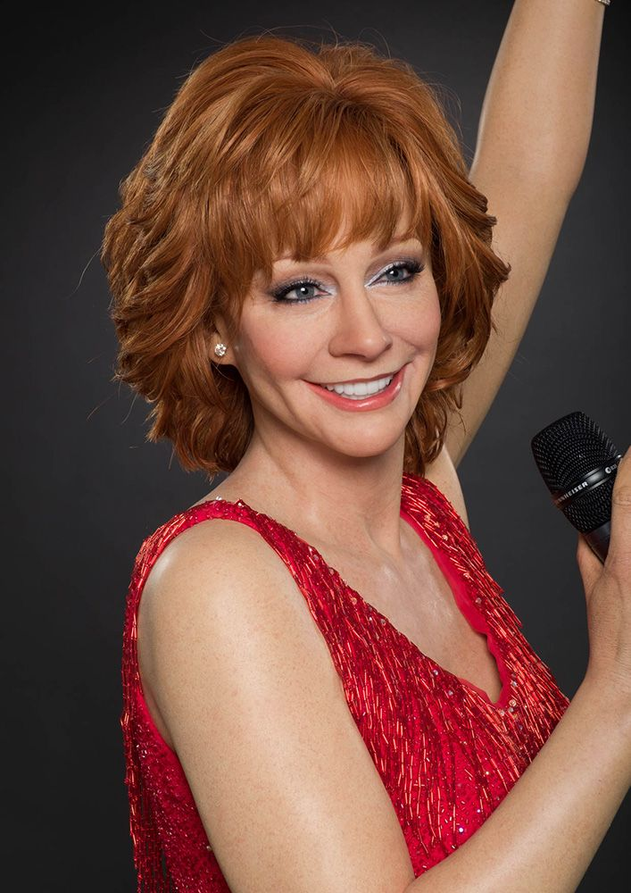 Reba McEntire Helps Unveil Fancy Wax Figure During Las Vegas Soundcheck | Nash Country Daily