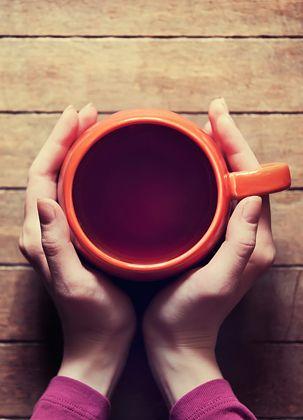 12 drinks que vão te deixar quentinho neste frio