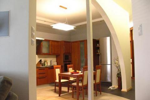 Арка, отделяющая кухню
