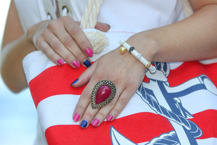 HOUSE OF ILLUSIONS: Nautical nails