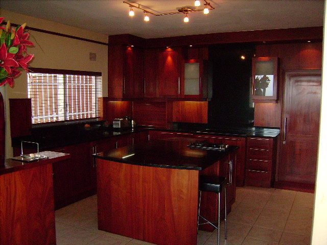 Red-Mahogany Kitchen