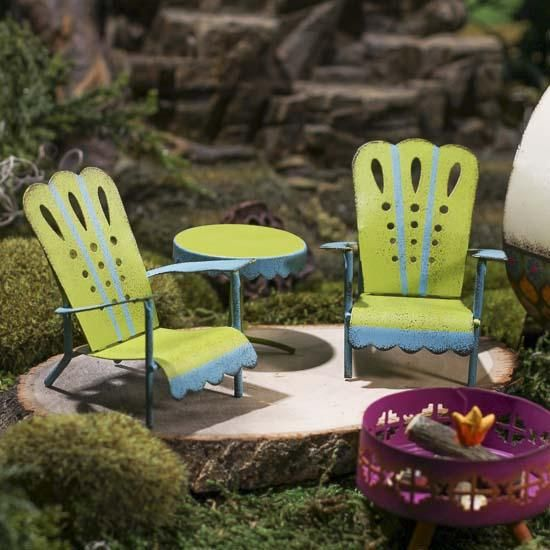 Ideal design for quilling....  Miniature Adirondack Patio Chairs and Table Set