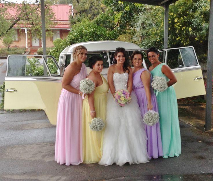 Kombi bride and bridesmaids