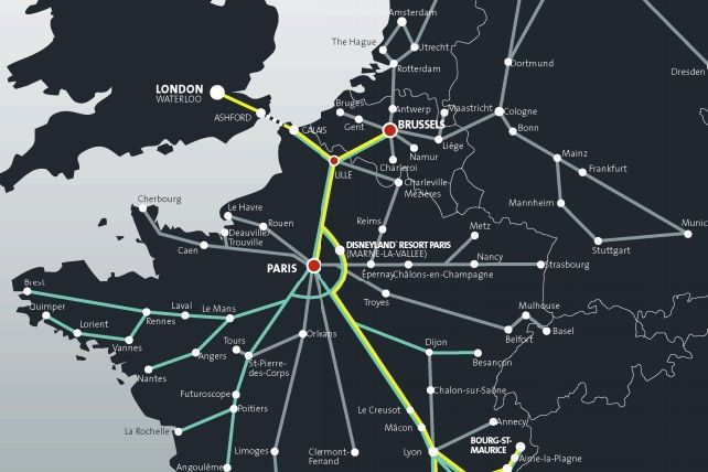Cómo ir de Londres a Paris Llegar a París desde Londres en transporte publico Viaje entre Londres y París en tren, autobús y avión. Ubicacion de las estaciones del tren Eurostar en Londres y Paris.