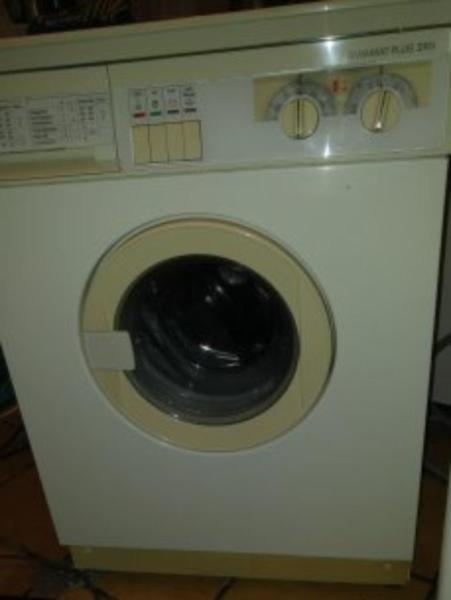 Siemens Frontlader Waschmaschine, mit Garantie nur 110 €  In Lübeck zu verkaufen - Lieferung, Entsorgung der Altgeräte möglich!!  XXXXXXXXXXXXXXXXXXXXXXX  Impressum  Waschmaschinenwelt Michael Möller Tel. 015234279121 Ostpreussenring 4 23569 Lübeck (Kücknitz) Mail: moellers@waschmaschinenwelt.de  (Finanzamt Lübeck)