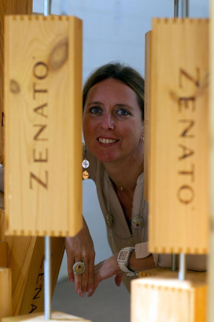 Quando il #vino diventa #gioiello. La donna del vino Nadia Zenato presenta alla fiera internazionale orafa i suoi accessori fashion. #VicenzaOro January 2016, ispirazioni dal mondo del vino http://www.ilsitodelledonne.it/?p=19344