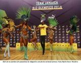Samba, Bolt! Jamaicano dança com passistas e tira selfie durante coletiva