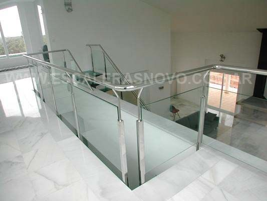 Baranda en acero inoxidable y vidrio laminado mod 3 for Barandas de vidrio y acero