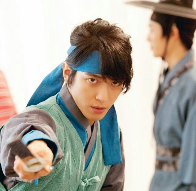 Jung Yonghwa @ The Three Musketeers <3.<3