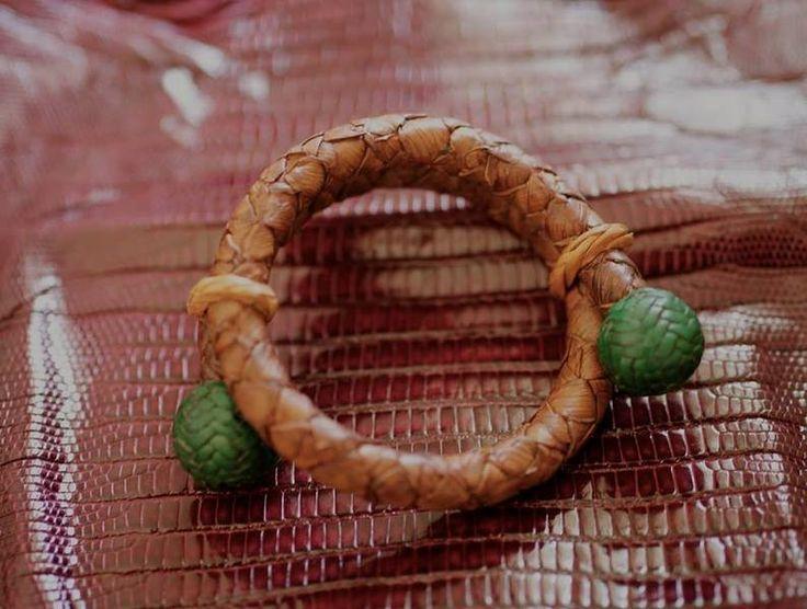 pulsera piel de serpiente de Secretos del Cuero por DaWanda.com