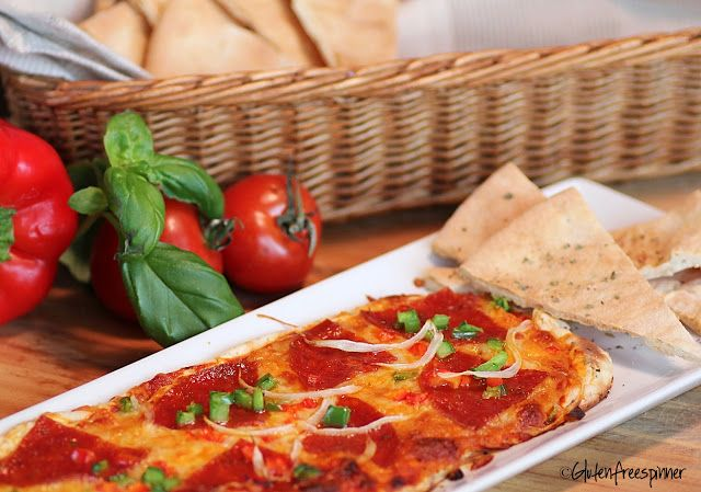 Heading to a party tonight?  Perfect appetizer - Pizza Dip!
