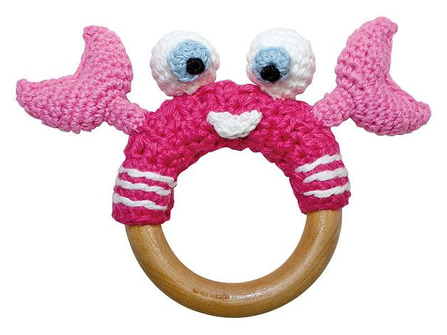 Rassel & Holz-Greifling mit gehäkeltem Krebs / baby rattle with crochet crab by sindibaba via DaWanda.com
