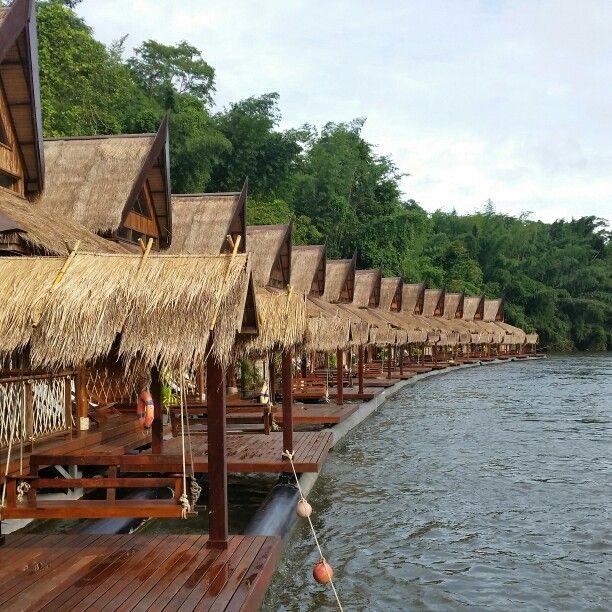 ק'נצנבורי- תאילנד - The flouting house river kwai