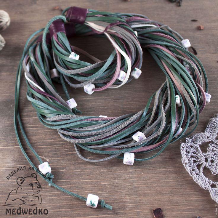 Купить Комплект украшений из кожи  Лесная фея - зеленый, колье из кожи, Кожаное колье