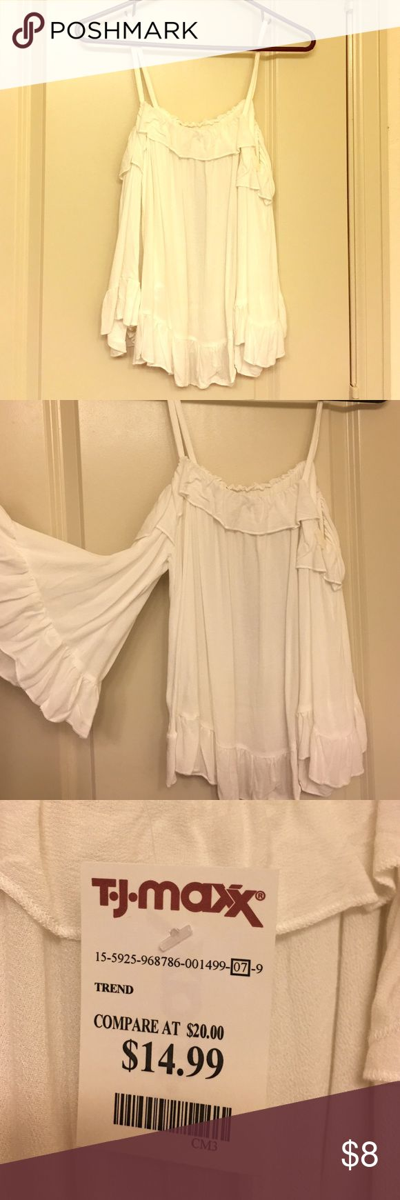 Tj max flowy top NWT. Size M. tagged Macy's for views! Model is a size 6! Macy's Tops Blouses