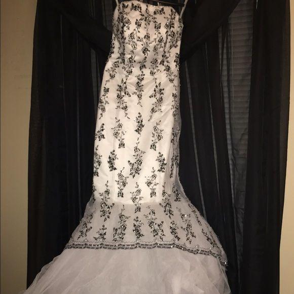 White mermaid dress, black beading White and black mermaid dress by Tiffany designs. Worn once.  Tiffany designs Dresses