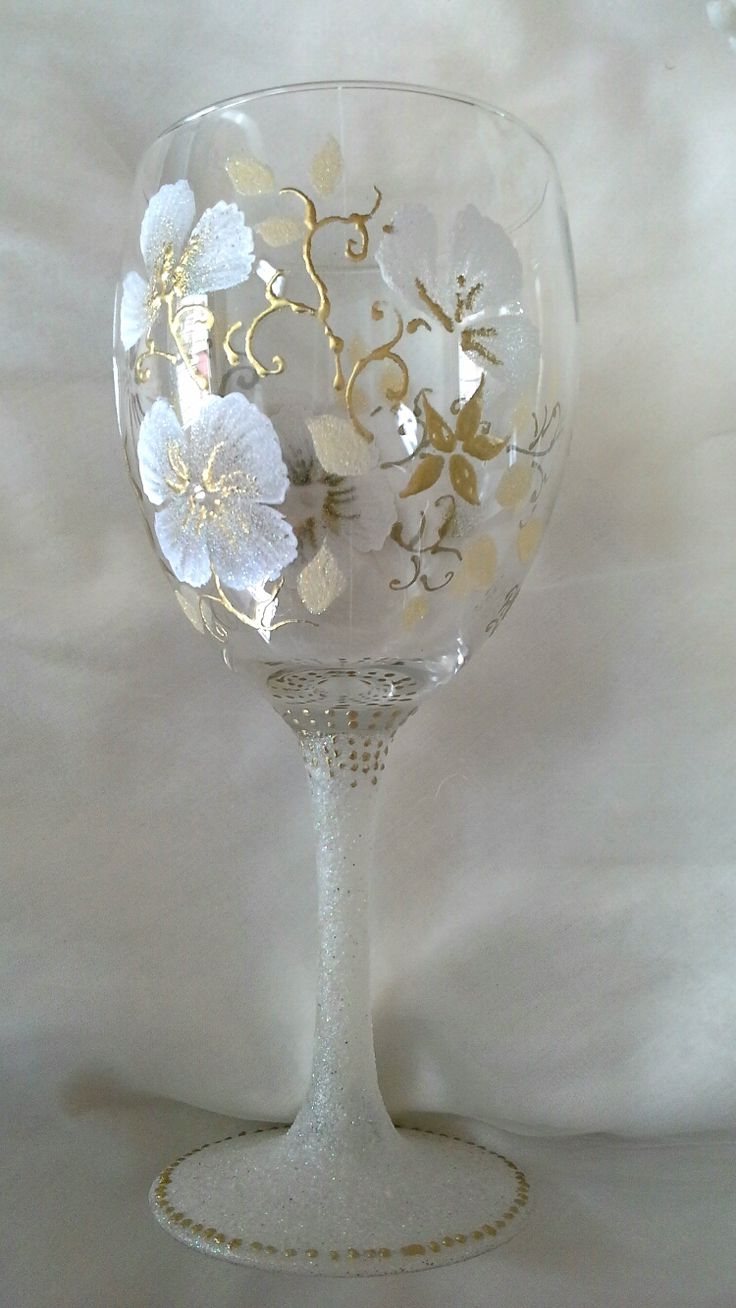 Handpainted wine glasses.  painted onto large wine glass with enamel paints and heat embossed with gold and glitters, finished with swarovski crystals.  19.50€ handpainted wine glasses,  goblet.