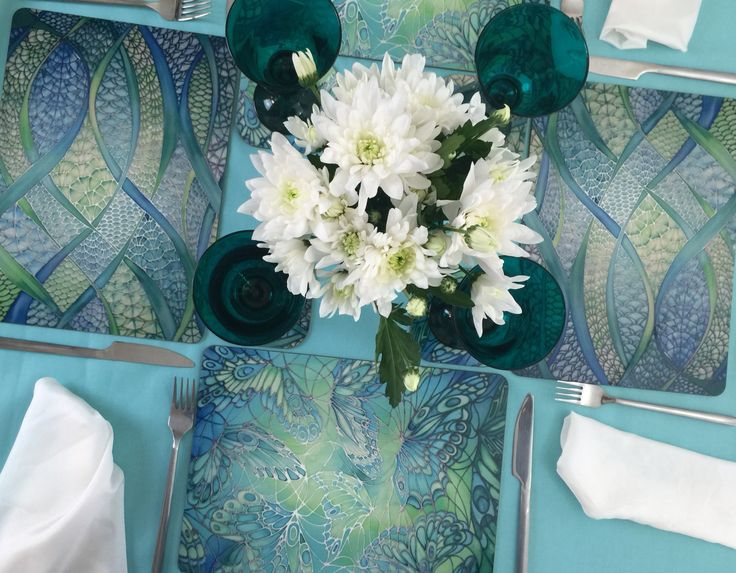 Springtime table setting... Seeing as the sun is shining!! http://www.meikiedesigns.com/placemats-and-coasters-table-mats.html