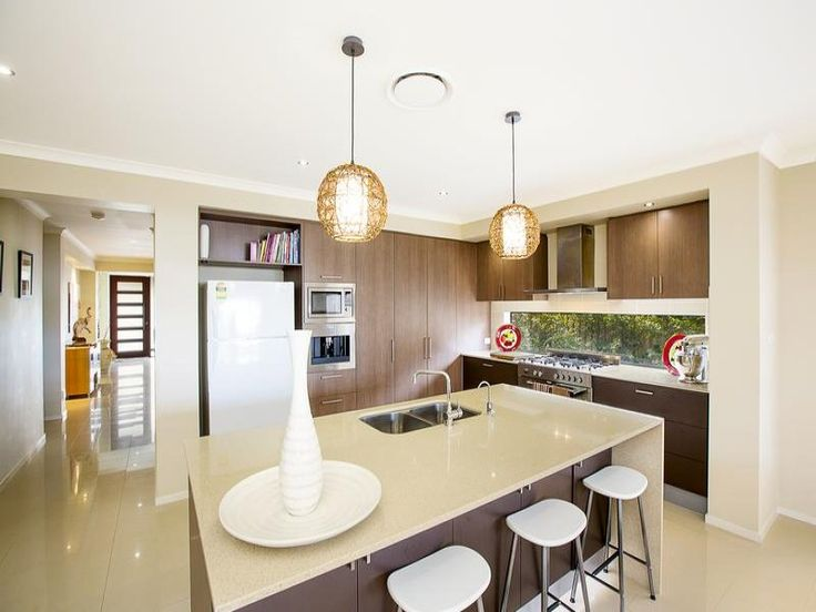 Pendant lighting in a kitchen design from an Australian home - Kitchen Photo 8103661