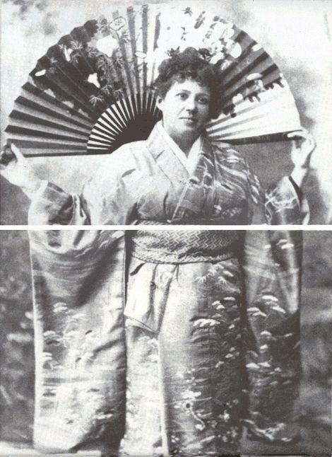 De schrijfster Dé-Lilah in kimono als illustratie in haar 'Japanse' roman Madame Caprice (1901). Zij moet op de foto ongeveer 48 jaar zijn geweest.