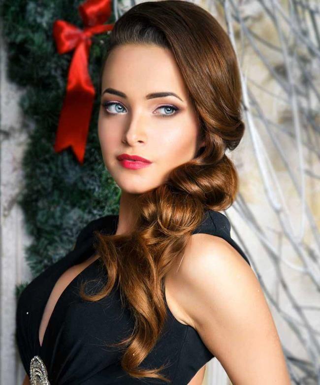Christmas hairstyles 2020 | Hair styles, Loose hairstyles ...