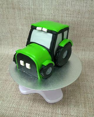 Purppurahelmen juhla- ja  fantasiakakut: Traktori