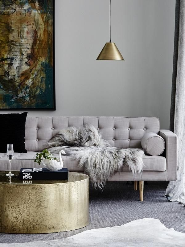 Best 20 Gold Coffee Tables Ideas On Pinterest Gold Table Coffee Table Styling And Chic Apartment Decor