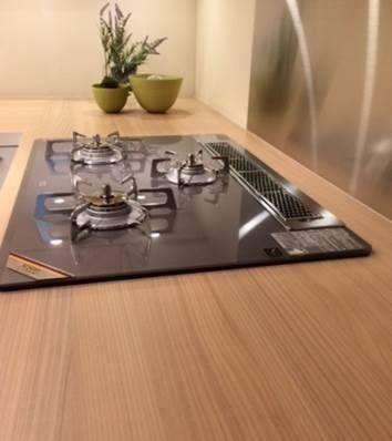 オーダーキッチン/エバルト/二列型キッチン/木目/天板