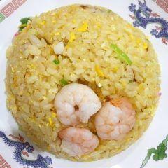 サンマー麺でが人気の横浜の中華料理店玉泉亭のチャーハンが旨い こくうまでしっとりとしたチャーハンにプリッとしたエビがいいアクセントになっています (o) 横浜まで来たらぜひ食べて頂きたい一品です tags[神奈川県]