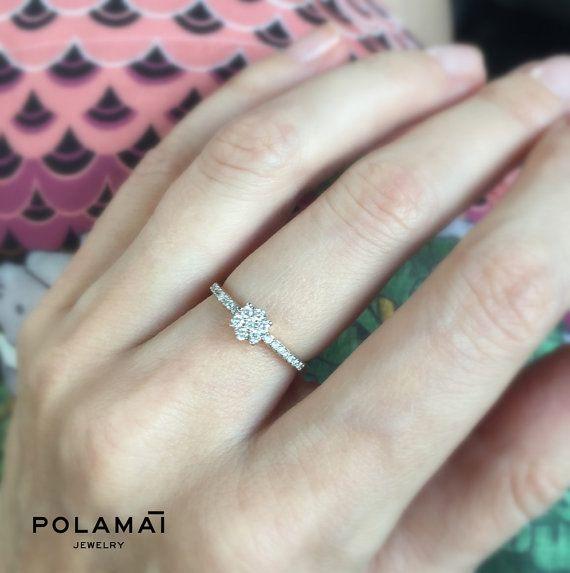 Blume-Cluster Diamantring 18k. Diamant-Verlobungsring. Ehering. Jubiläums-Ring. Weiße Rose-Gelbgold