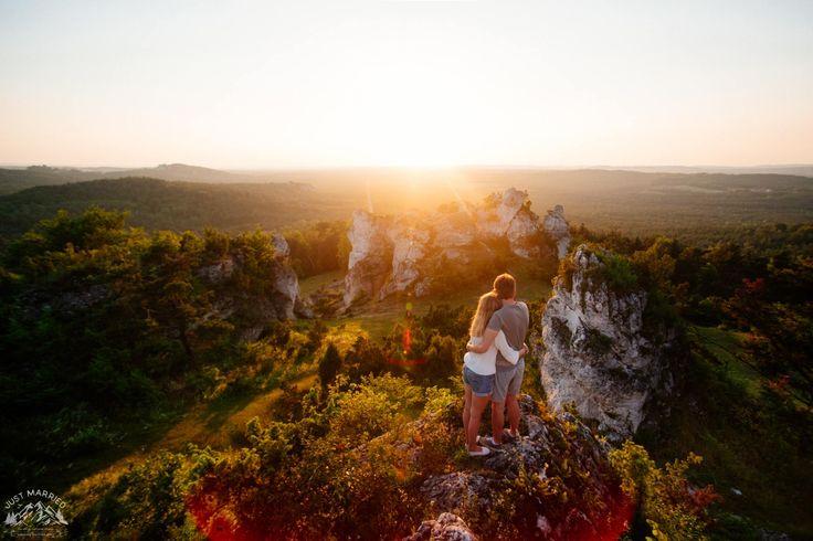 #engagement #engagementsession #engagementphoto #sesjanarzeczenska #chasinglight #rocks