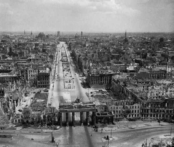 Old Pics Archive ‏@oldpicsarchive Berlin at The End of The War in 1945