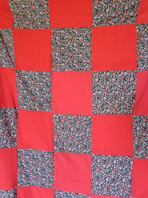 Quilt patchwork Small flowers in red patchwork bed cover, handmade by Aliki01 on Etsy