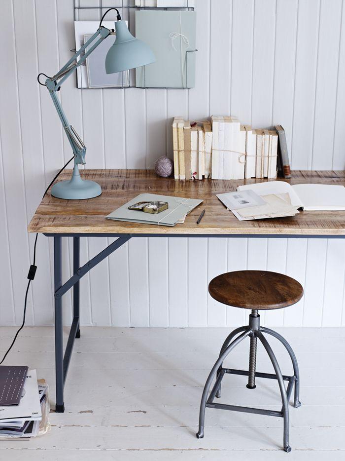 a nice desk
