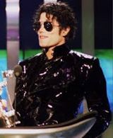 https://www.facebook.com/Michael.Jackson.The.Most.Rare.Videos.And.Pics/photos/pcb.1362599650467313/1362599613800650/?type=3