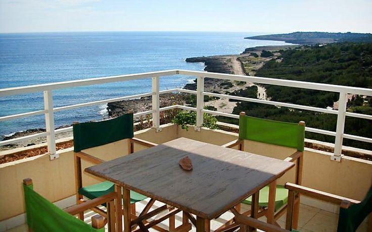 Location appartement pas cher à Cala Millor, Baléares - 3 pièces, 4 personnes - à partir de 560 € la semaine ! Appartement idéalement situé à Cala Nau, à 1 km de Cala Millor dans une petite résidence. Situation calme, face à la mer. Idéal pour les amoureux de la plage. Golf et tennins à proximité !