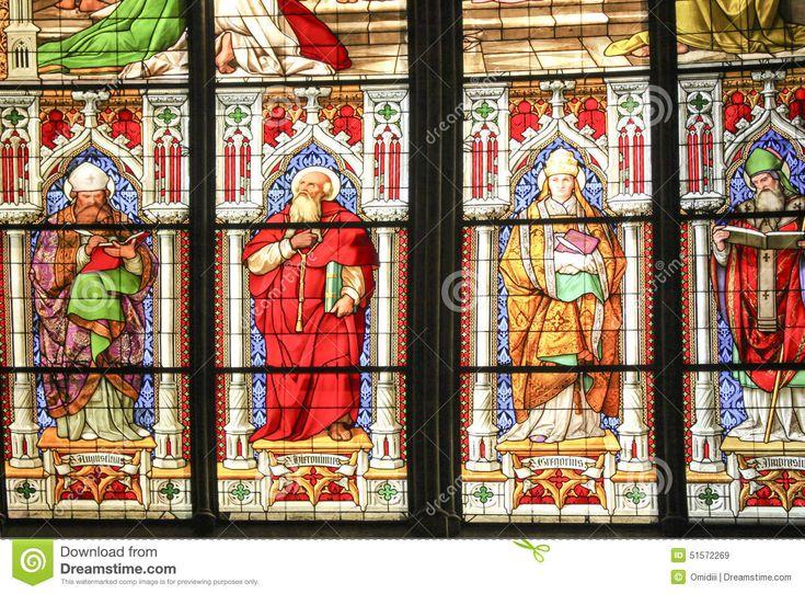 Het Venster Van Het Kerkgebrandschilderde Glas - Downloaden van meer dan 43 Miljoen hoge kwaliteit stock foto's, Beelden, Vectoren. Schrijf vandaag GRATIS in. Afbeelding: 51572269