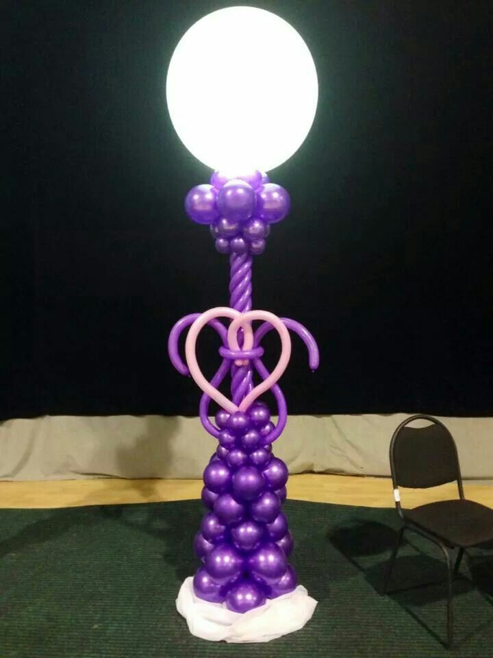 Columns with balloons