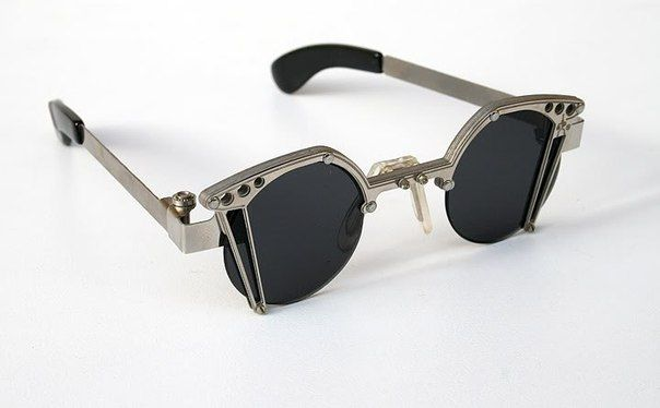 https://www.thesterlingsilver.com/product/catania-occhiali-polarised-sunglasses-new-season-collection-wayfarer-style-sunglasses-inc-case-polarized-lenses-2/