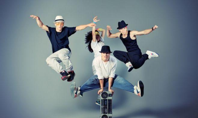 Regulamenta profissões e atividades da cultura Hip Hop.