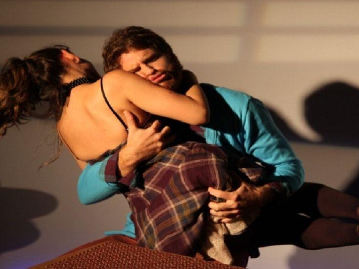 """Nos dias 22, 23 e 24 de junho, o Galpão Gamboexibe a peça 'Quebra-ossos', comédia de Julia Spadaccini indicada ao Prêmio Shell de Teatro do Rio de Janeiro, em 2012, na categoria de melhor autor. O espetáculo acontece aos sábados, às 21h, e domingos e segundas, às 20h, com ingressos a R$ 20. Na comédia,...<br /><a class=""""more-link"""" href=""""https://catracalivre.com.br/rio/agenda/barato/quebra-ossos-tem-exibicao-no-galpao-gamboa/"""">Continue lendo »</a>"""