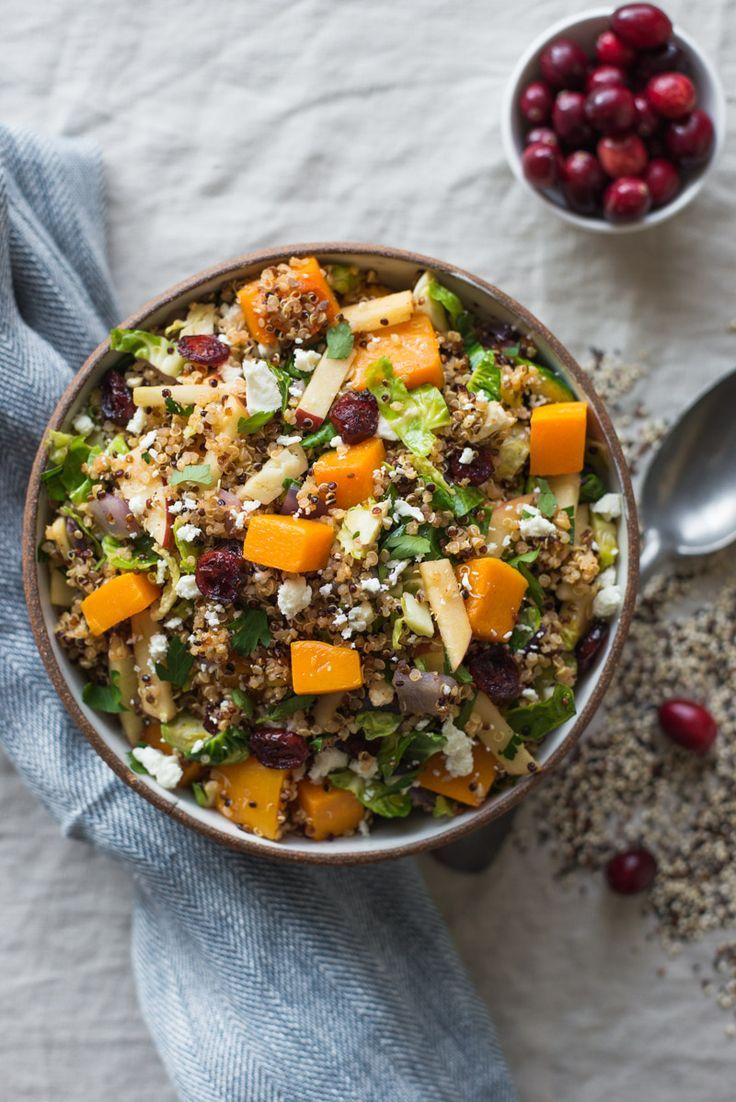 Fall Harvest Quinoa Salad - an easy, healthy and gluten free salad that is filled with fall fruits and vegetables. Perfect for weeknight dinner or gatherings! #ad #vegetarian