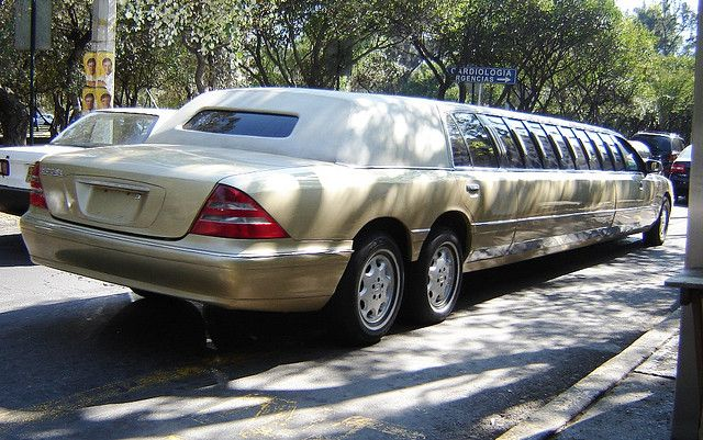 Limousine mercedes benz s600 flickr photo sharing for Mercedes benz limousine rental