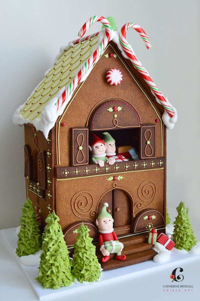 gingerbread house. Catherine Reddall. Love the tiny green piping and that's it's not overloaded with candy