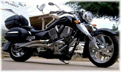 2006 Victory Kingpin: It is an 06 Victory Kingpin 100CI Freedom V-Twin with 6 speed overdrive transmission  I was riding an 05 Honda Shadow Spirit and started wanting a bigger