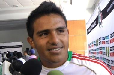 Los días están contados para la Selección Mexicana Sub 23, que tendrá que disputar su boleto a Londres en el preolímpico de la Concacaf. Y los seleccionados ya se frotan las manos, llegan con confianza tras haber vencido a Senegal, quieren borrar el tropiezo ante Estados Unidos y ganarse el pase a los Juegos Olímpicos.    Es un sueño que están viviendo, anhelan colgarse una medalla, es en lo único que piensan, así lo expresó Javier Cortés, y ahora quiere ganar el boleto a Londres 2012.