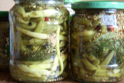 Sauer eingelegte Bohnen