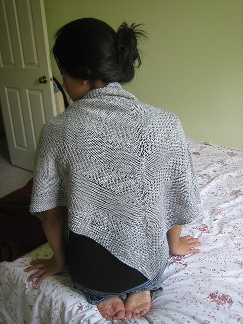 Merino Cape Knitting Pattern : 1000+ images about Malabrigo Silky merino on Pinterest Cape code, Ravelry a...