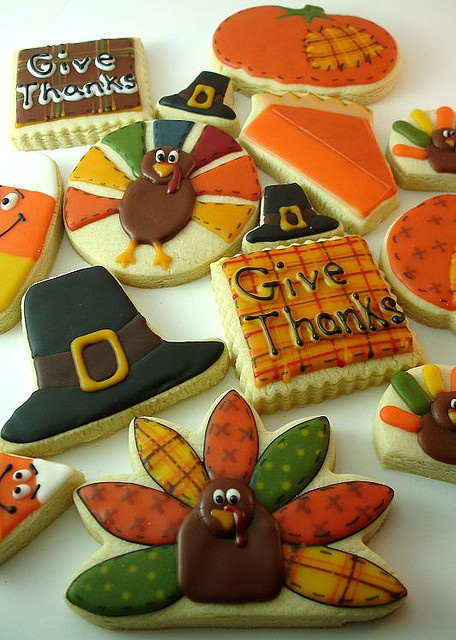Thanksgiving Cookies - like the plaid look to the Give Thanks cookie Repinned By: #TheCookieCutterCompany